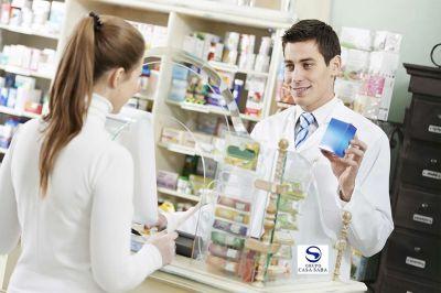 Антимонопольная служба обяжет аптеки уведомлять покупателей о наличии в продаже аналогов зарубежным препаратам