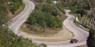 В Крыму ПАЗ с пассажирами упал в пятидесятиметровую пропасть