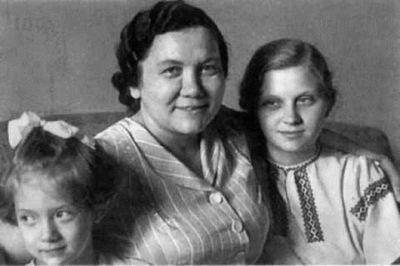 Дочь Никиты Хрущева умерла на больничной койке