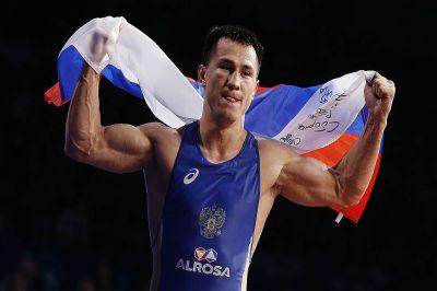 2-ой рейс сроссийскими олимпийцами приземлился в столице