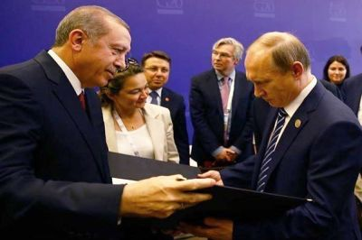 между Владимиром Путиным и Реджепом Эрдоганом, прокомментировал пресс-секретарь президента РФ Дмитрий Песков
