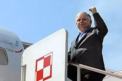 Польские СМИ: Наобломках самолета Качиньского найдены следы тротила