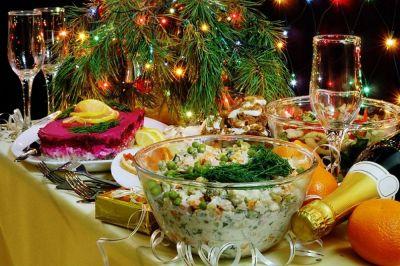 Росстат подсчитал, во что обойдется праздничное застолье среднестатистической российской семье