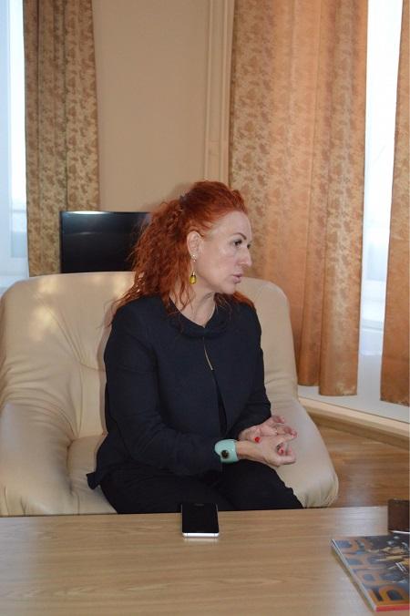 Заместитель генерального директора Новосибирской филармонии по международным связям Алена Болквадзе