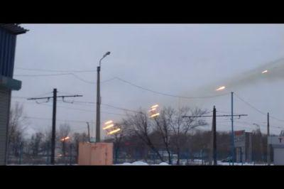 """Песков сожалеет об активной фазе военных действий в Донбассе, а тем временем """"Град"""" гатит по Ясиноватой"""