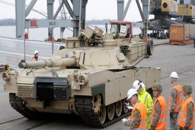 ВПольшу изсоедененных штатов прибыли танки M1 Абрамс