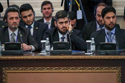 В САР боевики объединились в коалицию для уничтожения своих саратников по борьбе, которые вступили в переговорный процесс в Астане