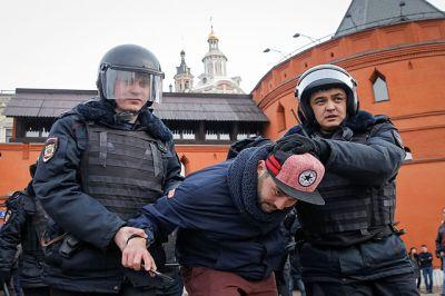Запахло свежими печеньками. Западный мир осуждает задержание участников воскресной протестной акции