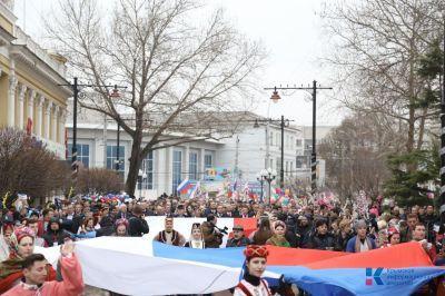 Крымский полуостров сегодня встречает украинских и западных политиков