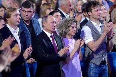 Специалисты НАТО по пропаганде пришли к выводу что КВН — страшная машина Кремля кодирующая сознание россиян