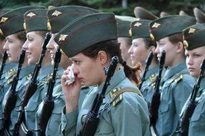 Программа, защищающая интересы российских женщин, подписана главой правительства