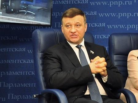 руководитель межпарламентской группы дружбы Россия-Азербайджан Дмитрий Савельев
