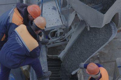 Строители Керченского моста отрапортовали об опережении графика