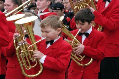Устен Кремля неменее тысячи молодых музыкантов выступят вдуховом оркестре