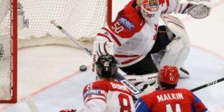 Завтра российская сборная играет с канадцами, у которых выигрывала в полуфинале лишь однажды
