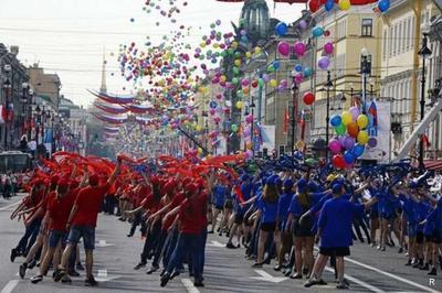 """Навальный уже отпраздновал """"День России"""", привычно подписывая протокол о задержании"""