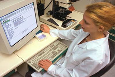 с первого июля в стране больничные листы будут выдавать в электронном виде.
