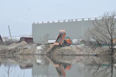 История озера Глушица заставила чиновников отправиться на свалки