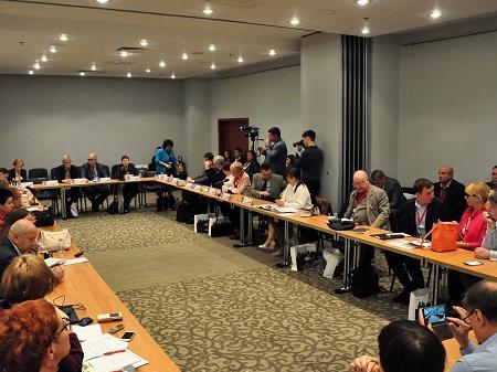 На форуме журналисты межпарламентской группы дружбы Россия-Азербайджан пообщались с председателем комиссии Общественной палаты РФ
