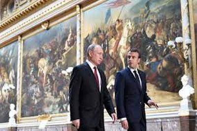 Во Франции новый лидер выбирает новую политику по Сирии