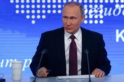 Сорок минут Трамп пытался выяснить у Путина, вмешивался ли Кремль в выборы в США