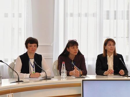 участники круглого стола «Укрепление двустороннего сотрудничества в гуманитарной сфере»