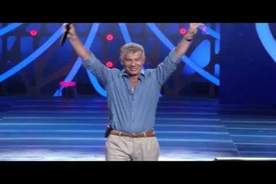 Газманов познакомился со строителями Крымского моста и спел о них новую песню