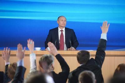 За В.Путина изъявили готовность проголосовать 69% опрошенных граждан России