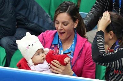 Елена Исинбаева родила сына
