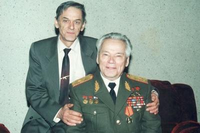 Умер конструктор стрелкового оружия Виктор Калашников
