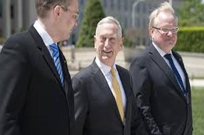 Мэттис отмечает, что встреча с финским министром обороны Юсси Ниинистё и руководителем оборонного ведомства Швеции Петером Хультквистом