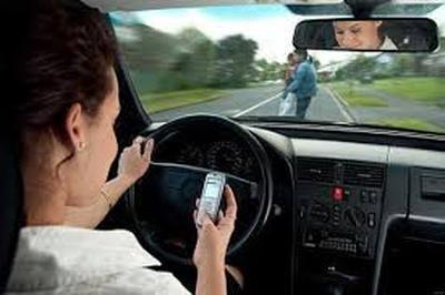 В МВД отмечают, что автомобилисты реже попадаются на разговорах за рулем по мобильнику