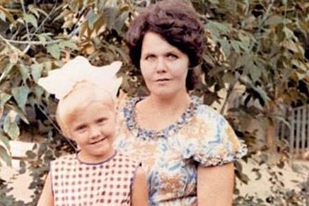 певица Валерия с мамой