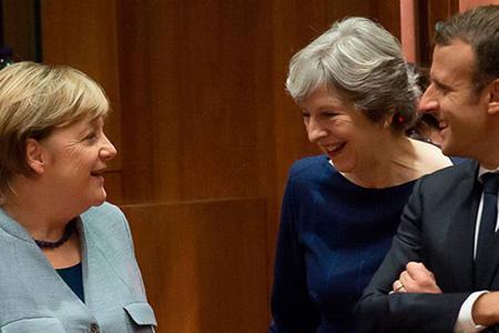 Тереза Мэй запланировала встречу с Эммануэлем Макроном и Ангелой Меркель