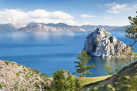 Сергей Зверев провёл пикет в поддержку озера Байкал