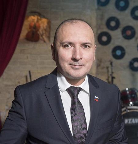 писатель Варис Елчиев