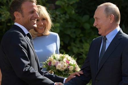 Как прошла встреча Владимира Путина и Эммануэля Макрона