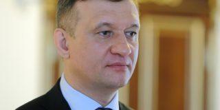 Дмитрий Савельев предложил лишать мандатов депутатов, причастных к экстремистским организациям